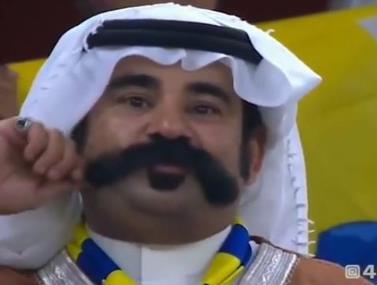 בערב הסעודית בחרו להתמקד בקהל בשני אוהדים משופמים