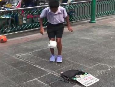 הילד בעל כישרון מיוחד להקפצות